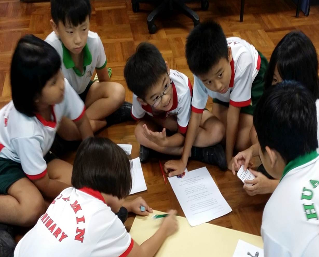 P4C_Pic1_Students practise effective listening by engaging in communal dialoguing..jpg